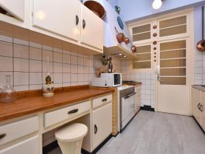 Holiday home Maison Amouroux, Ferienhäuser  Villefranche-du-Périgord - big - 29