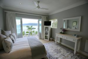 Honeymoon Room - Lagoon Facing