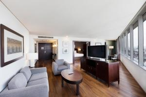 King Master Suite with Access to Executive Lounge