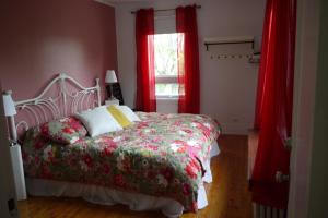 gite la brise du lac, Bed & Breakfasts  Roberval - big - 2