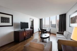 Business King Suite with Access to Executive Lounge