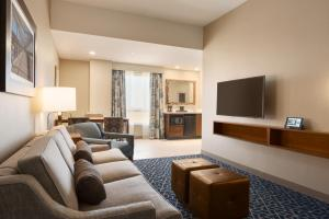 Embassy Suites By Hilton Denton Convention Center, Hotel  Denton - big - 12