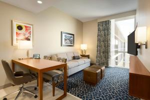 Embassy Suites By Hilton Denton Convention Center, Hotel  Denton - big - 3