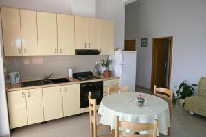 Apartment Brela 13052e, Apartmanok  Brela - big - 9