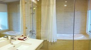 Hung Vuong Hotel, Hotel  Hanoi - big - 17