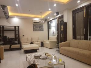 4 Bedroom Designer Service Apartment, Apartmanok  Újdelhi - big - 5
