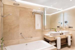 GF Victoria, Hotels  Adeje - big - 12