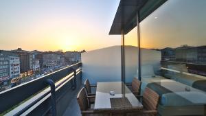 Terrace Executive King Room