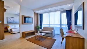 Terrace King Suite