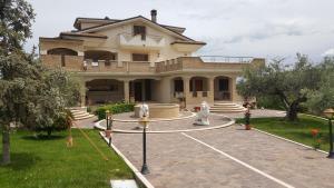 Via pacini n.2 - AbcAlberghi.com