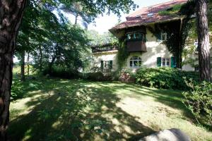 Haus Hubertus, Apartmanok  Boltenhagen - big - 52