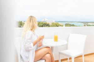 Apartaments Andreas, Apartments  Colonia Sant Jordi - big - 31