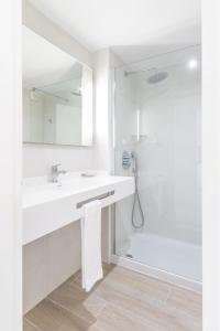 Apartaments Andreas, Apartments  Colonia Sant Jordi - big - 8