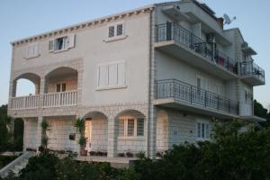 Apartments Vela Luka