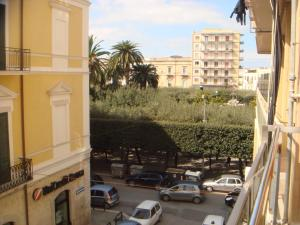 Travel and Living, Guest houses  Trani - big - 12