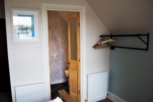 Woodlands Guest House, Penzióny  Brixham - big - 37