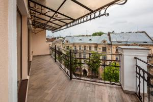 Apartment with Terrace on Chuprynky 3, Apartments  Lviv - big - 28