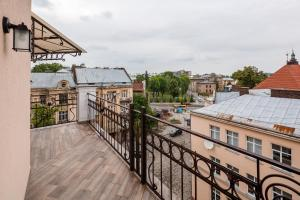 Apartment with Terrace on Chuprynky 3, Apartments  Lviv - big - 29