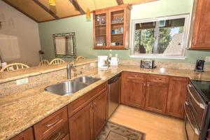 Timber Lane Holiday home, Dovolenkové domy  South Lake Tahoe - big - 6