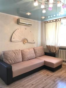 Apartment B. Krasnaya 1b, Apartmanok  Kazán - big - 1