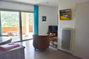Zilia, Apartmanok  Favone - big - 9