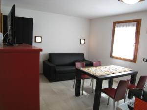 Sillia Appartamenti, Apartmány  Pinzolo - big - 2