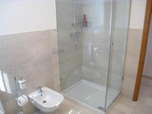 Sillia Appartamenti, Apartmány  Pinzolo - big - 6