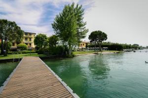 Appartamenti Primavera Sirmione - AbcAlberghi.com