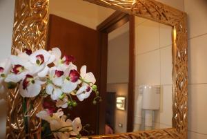 Hotel Michela, Отели  Марина-ди-Масса - big - 59