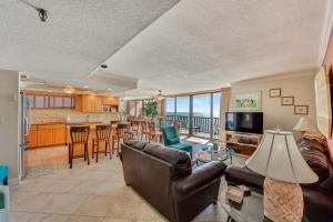 Trillium #4A Condo, Apartments  St Pete Beach - big - 19