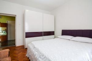 Apartments Cvita Ugljan, Penzióny  Ugljan - big - 2