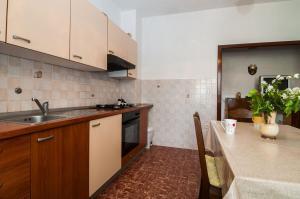 Apartments Cvita Ugljan, Penzióny  Ugljan - big - 7