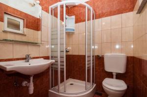 Apartments Cvita Ugljan, Penzióny  Ugljan - big - 13