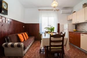 Apartments Cvita Ugljan, Penzióny  Ugljan - big - 19