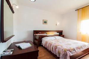 Apartments Cvita Ugljan, Penzióny  Ugljan - big - 39