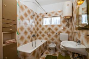 Apartments Cvita Ugljan, Penzióny  Ugljan - big - 43