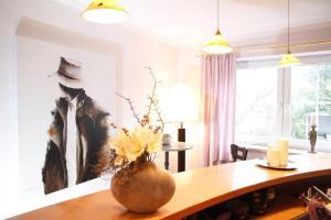Hotelpension zum Gockl, Гостевые дома  Аллерсхаузен - big - 41