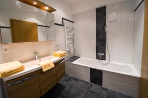 Vicky Apartments, Appartamenti  Niederau - big - 7