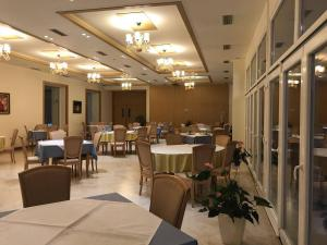 Grand White City Hotel, Hotely  Berat - big - 56