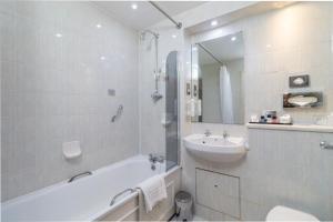 Cosmopolitan Hotel, Hotels  Leeds - big - 43