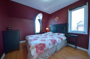 Luxury Entire House 20min to DownTown MTL Close to DIx30 shopping mall