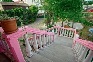 Georgian Sweet Home, Гостевые дома  Чакви - big - 96
