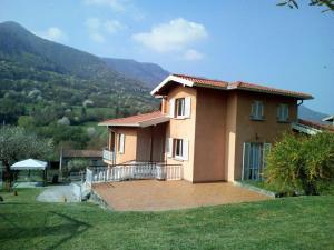 Villa a due passi dal lago di Iseo - AbcAlberghi.com