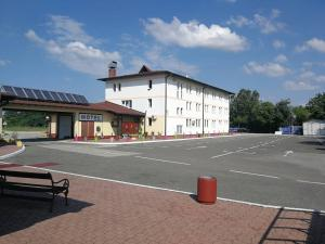 Motel Jezero Trn