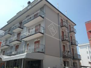 Residence Madrid, Apartmánové hotely  Lido di Jesolo - big - 1