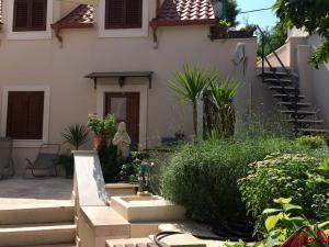 Guesthouse Kresic, Penzióny  Split - big - 15