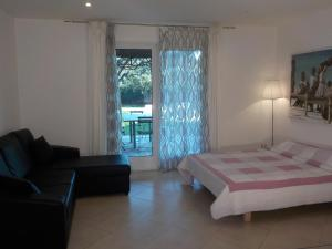 Villa Angelina Jardin, Апартаменты  Гримо - big - 34