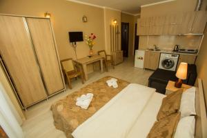 Batumi Orient Lux, Apartmanok  Batumi - big - 296