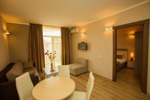 Batumi Orient Lux, Apartmanok  Batumi - big - 287