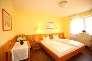 Hotelpension zum Gockl, Гостевые дома  Аллерсхаузен - big - 30